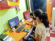 पढ़ाई बंद टीवी, गैजेट में बिजी बच्चे
