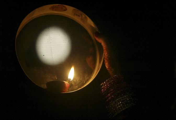 करवा चौथ 2018: जानें कौन हैं चौथ माता,इस व्रत में क्यों है चंद्रमा का महत्व