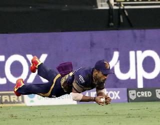 IPL 2021: आउट को कर दिया नाॅट-आउट, थर्ड अंपायर के डिसीजन पर भड़के पूर्व क्रिकेटर