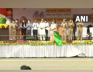 Aazadi Ka Amrit Mahotsav: सीएम योगी ने SSB की साइकिल रैली को लखनऊ में दिखाई हरी झंडी