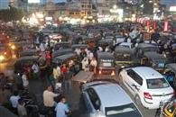 सड़कों पर कोविड प्रोटोकॉल फ्लॉप