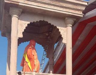 म्यूरल पेंटिंग में दिखेगी महंत दिग्विजयनाथ की जीवन यात्रा, लाइटिंग ने लगाए चार चांद