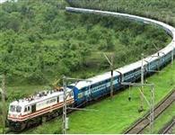 तीन स्पेशल ट्रेनों को 'ग्रीन सिग्नल'
