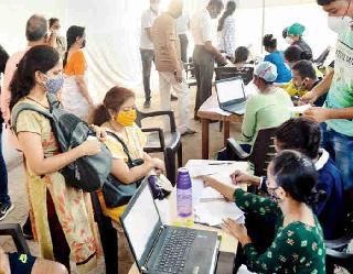 Coronavirus In India: संक्रमण के नए मामलों में लगातार कमी, 24 घंटे में 54,069 नए केस और 1,321 लोगों की माैत