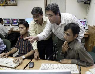 BSE सेंसेक्स 145 अंक उछल कर बंद, ICICI बैंक व SBI में खरीद से तेजी