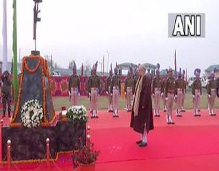 Jammu And Kashmir : अमित शाह ने पुलवामा आतंकी हमले में शहीद हुए 40 सीआरपीएफ जवानों को दी श्रद्धांजलि
