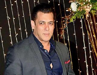 सलमान खान ने KRK के खिलाफ किया मानहानि का केस, राधे फिल्म का उड़ाया था मजाक