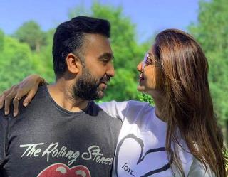राज कुंद्रा और शिल्पा शेट्टी पर लगा 3 लाख रुपये का जुर्माना, SEBI ने की कार्रवाई