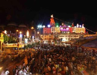 Krishna Janmashtami 2021: यूपी में जन्माष्टमी पर्व के लिए सोमवार व मंगलवार को नाइट कर्फ्यू में ढील