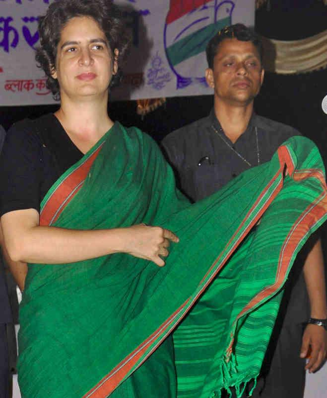 कांग्रेस की नई 'खेवनहार',प्रियंका को है साड़ियों से प्यार