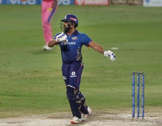 IPL 2021: 400 छक्के लगाने वाले रोहित पहले भारतीय बल्लेबाज, धोनी और कोहली काफी पीछे