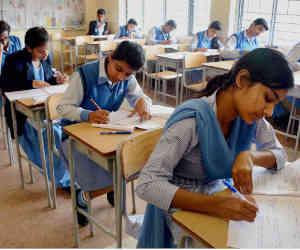 बाहरी सेंटरों पर नहीं, बल्कि स्कूलों में ही आयोजित की जाएंगी सीबीएसई 10वीं और 12वीं की परीक्षाएं