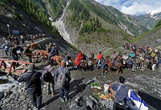 मुस्लिम गड़रिये ने खोजी थी 'बाबा बर्फानी' की गुफा,जानें अमरनाथ यात्रा की महत्वपूर्ण बातें