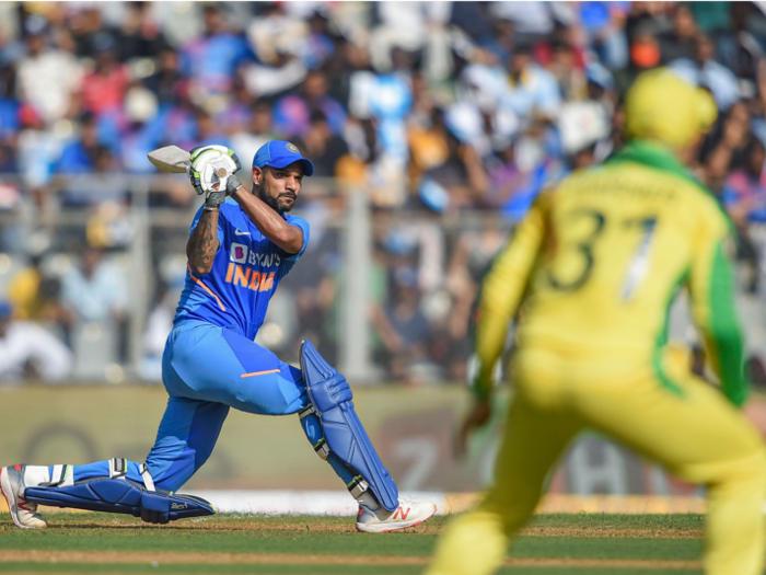 india vs australia: मुंबई वनडे हारने के बाद ओपनिंग छोड़ने के लिए तैयार शिखर धवन