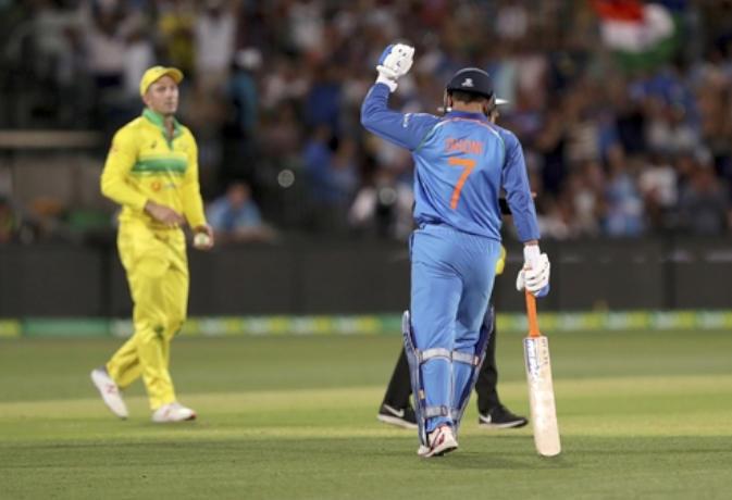 India Vs Australia Odi Series 2019 Ms Dhoni Batting Average More Than 100- Inext Live