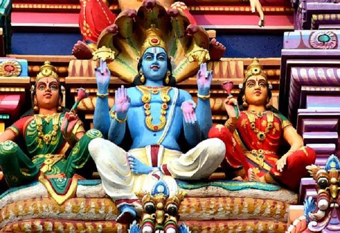 प्रत्येक देवी-देवता के लिए अलग होते हैं गायत्री मंत्र,इन्हें जपने से जल्द होते हैं प्रसन्न